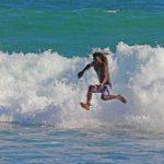 サーフィン初心者がスープで練習する理由は?乗り方や上達のコツ も